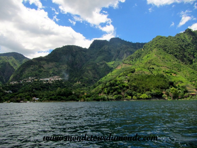 Lac Atitlan (6).JPG
